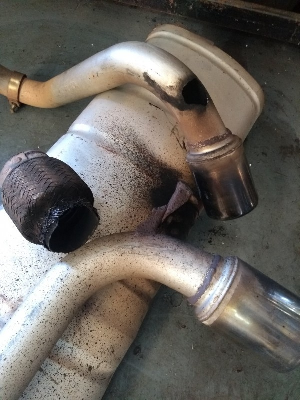 Exige old exhaust.jpg